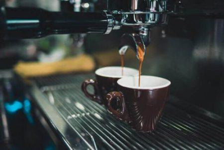 Smart gniazdko możemy wykorzystać do automatycznego robienia kawy