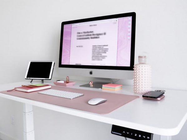 Regulowane biurko stojące z elektryczną regulacją wysokości