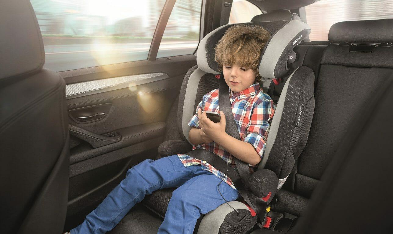 Fotelik samochodowy dziecko